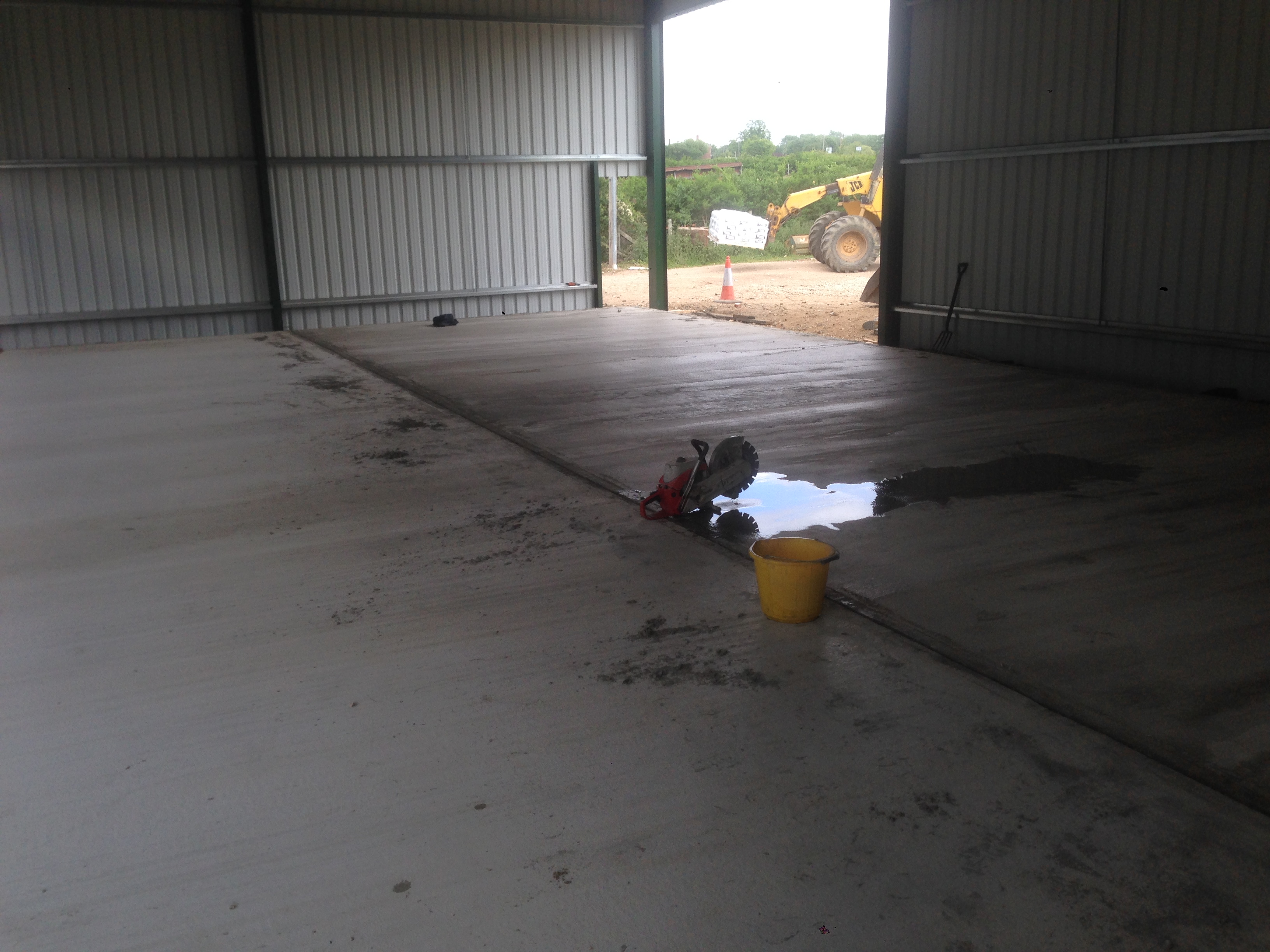 Concrete flooring barnham broom june 2015 jd services for Concrete flooring service